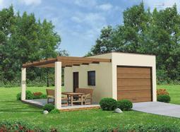 Projekt Garażu jednostanowiskowego, z altaną ogrodową.  Z boku budynku znajduje się dodatkowe wejście do garażu. Budynek przekryty dachem jednospadowym.